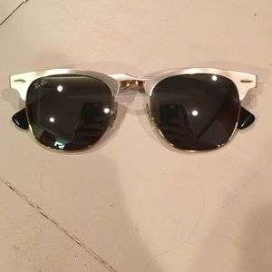 Rayban silver clubmasters